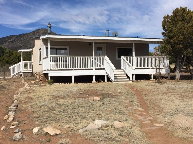 43 Living Water Road, Edgewood, NM 87015