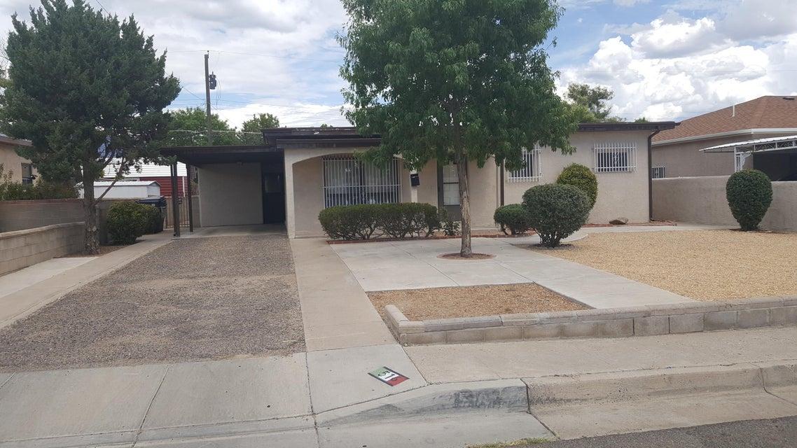 516 Dallas Street NE, Albuquerque, NM 87108