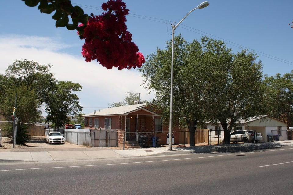 2215 Broadway Boulevard SE, Albuquerque, NM 87102