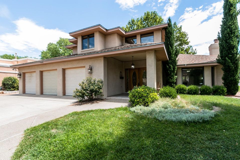 $519,000 - 4Br/3Ba -  for Sale in Fairways North/tanoan, Albuquerque