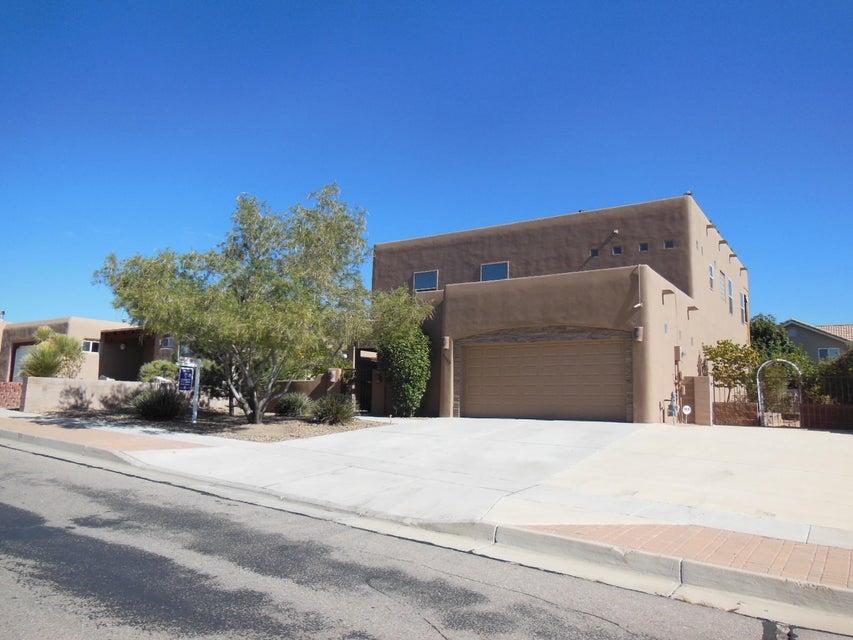 9948 Cardinal Street NW, Albuquerque, NM 87114