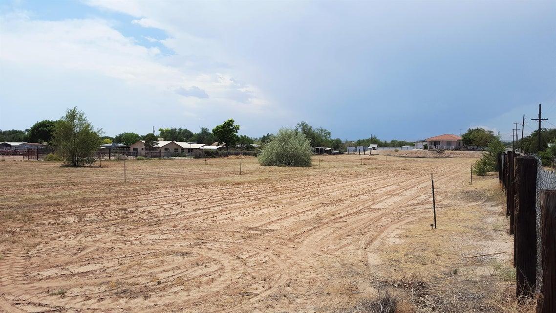 3112 Amalia Road SW, Albuquerque, NM 87105