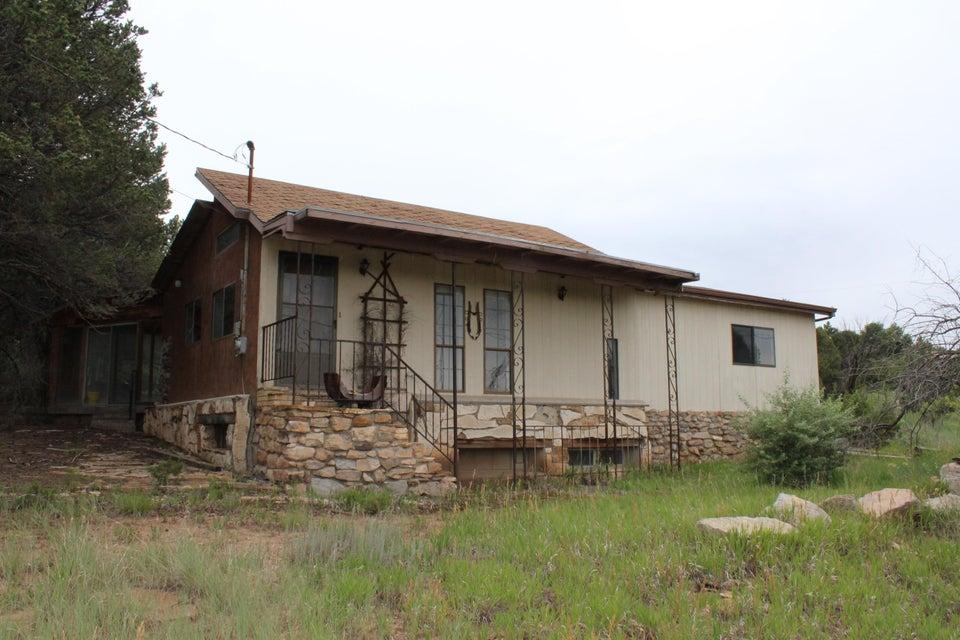 21 Canoncito Vista Road, Tijeras, NM 87059