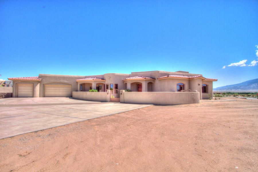 310 C De Baca Road, Corrales, NM 87048