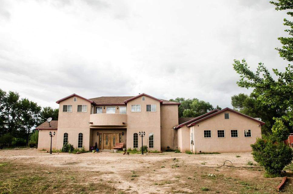 45 Servis Farm Road, Los Lunas, NM 87031