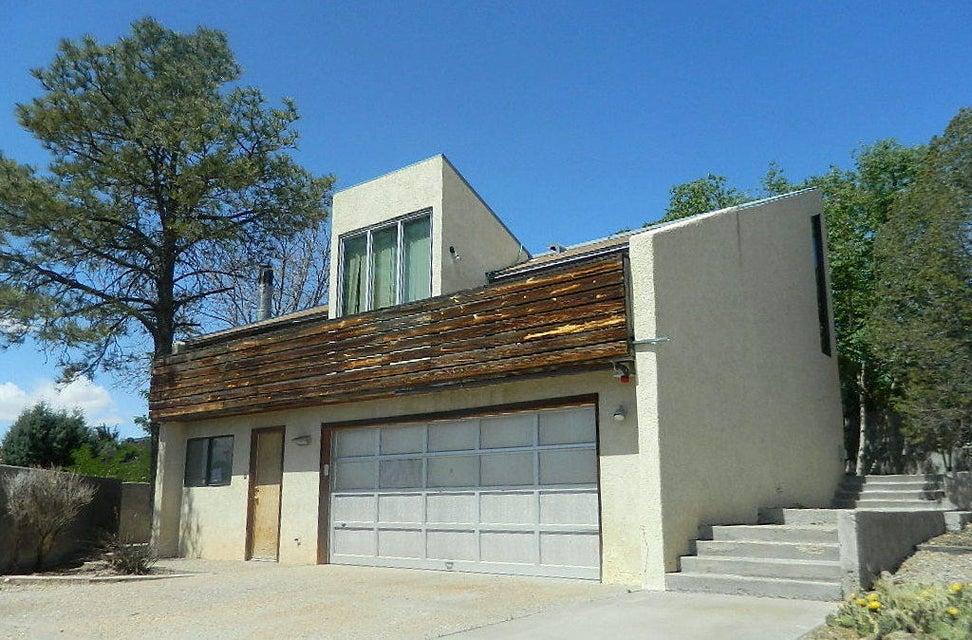 1011 Atrisco Drive NW, Albuquerque, NM 87105