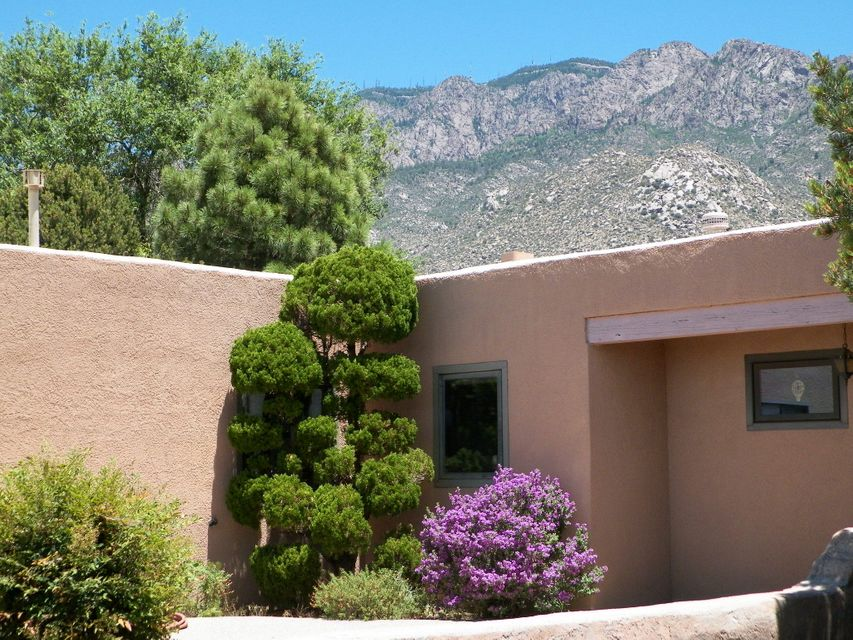 $389,000 - 3Br/3Ba -  for Sale in Sandia Heights, Albuquerque
