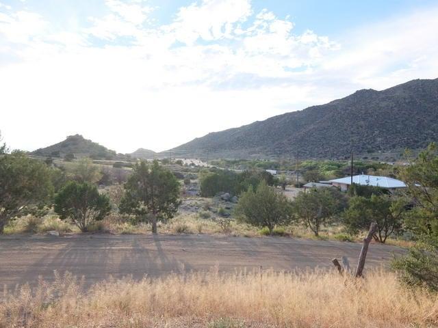 3 Los Garcias Lane SE, Albuquerque, NM 87123