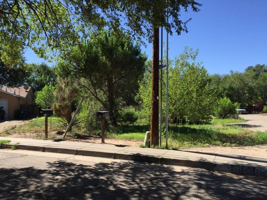 3302 Herrera Road NW, Albuquerque, NM 87105