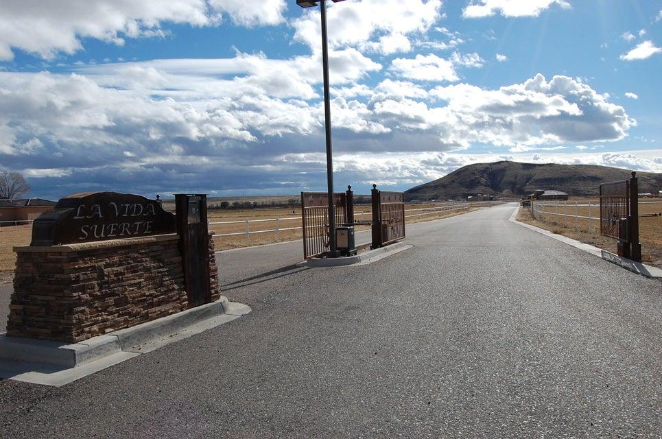 LUCKY CHARM, Los Lunas, NM 87031