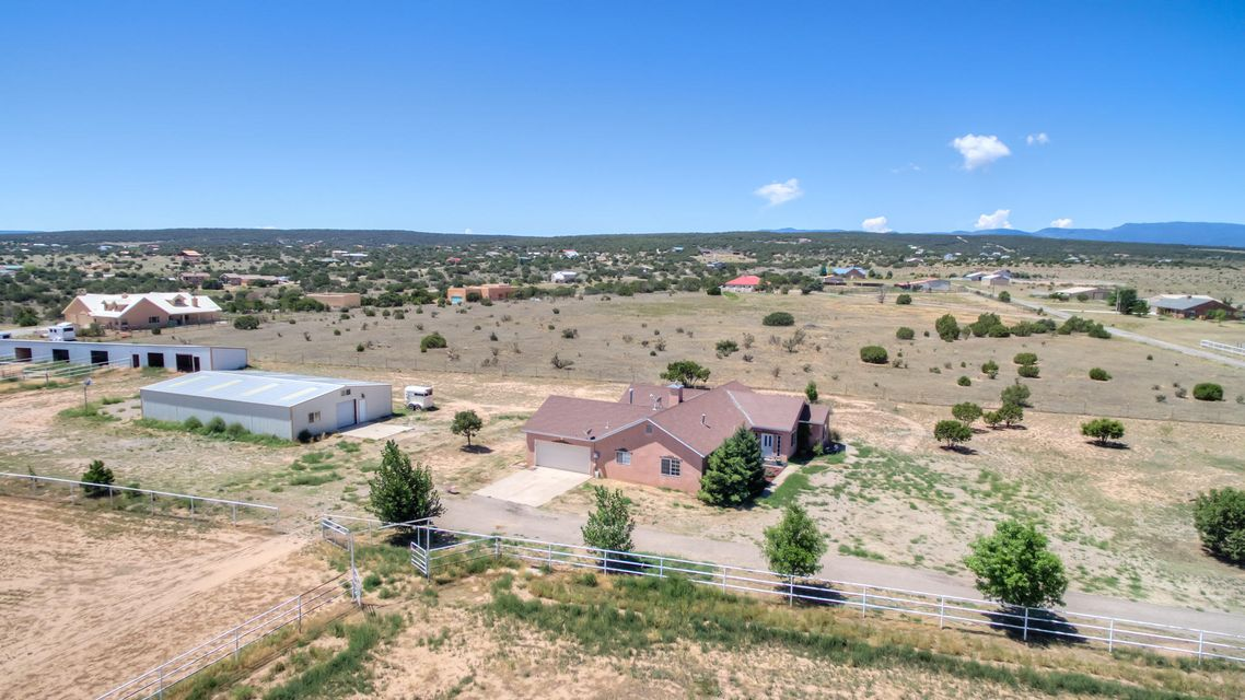 4 Bandolero Road, Edgewood, NM 87015