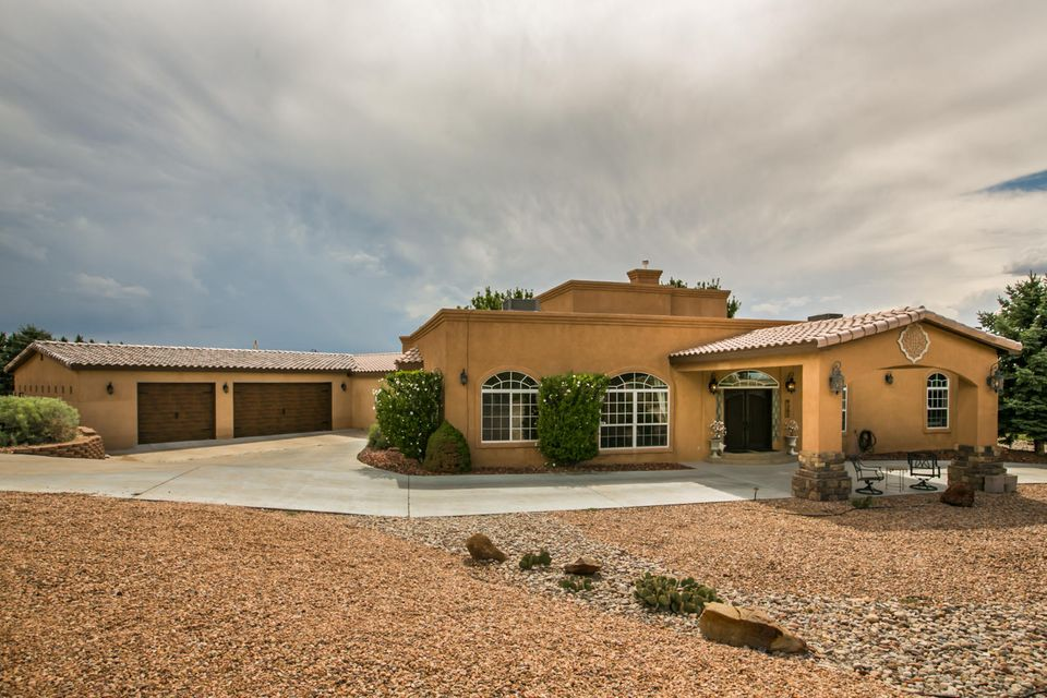 9301 Oakland Avenue NE, Albuquerque, NM 87122