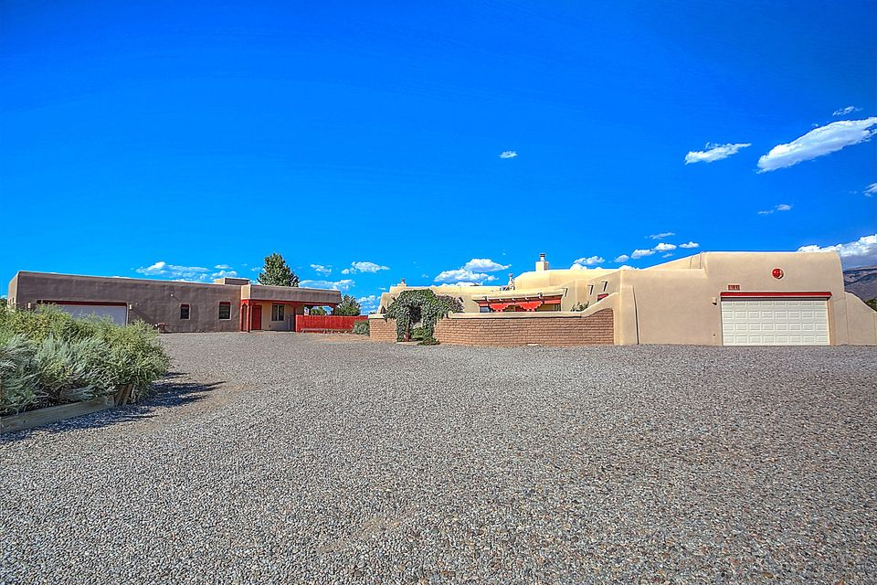 101 Doolittle Road, Corrales, NM 87048