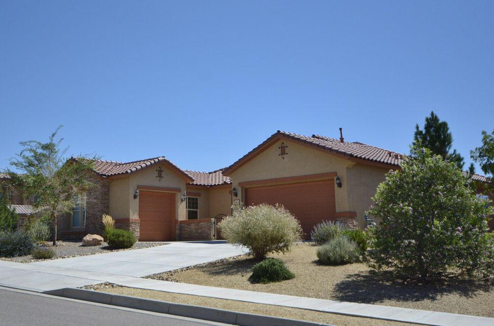 38 Vista Larga Place NE, Rio Rancho, NM 87124