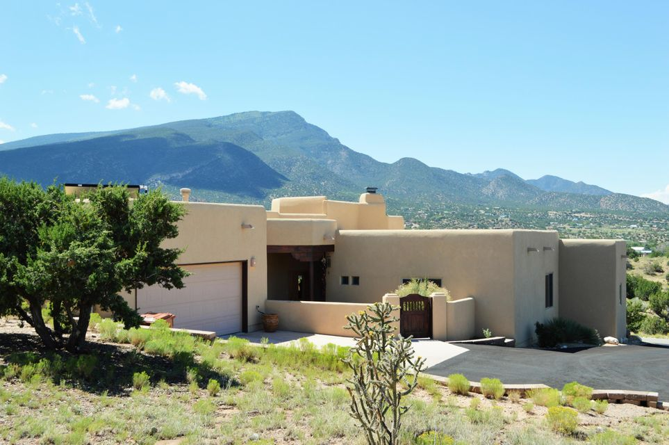 20 La Entrada, Placitas, NM 87043