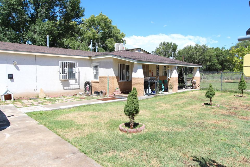 1817 Marcelino Road SW, Albuquerque, NM 87105
