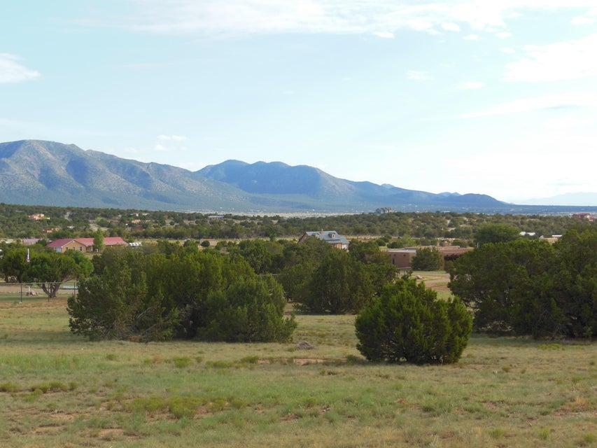 207 SQUARE H Road, Edgewood, NM 87015