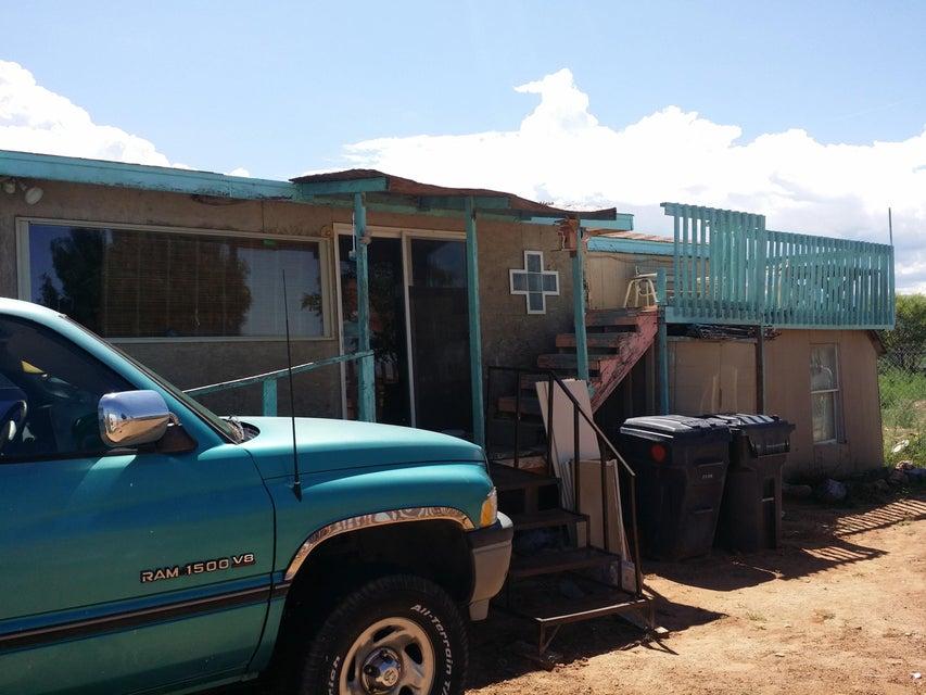 84 Primero Road, Los Lunas, NM 87031