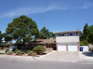 8009 Pickard Avenue NE, Albuquerque, NM 87110