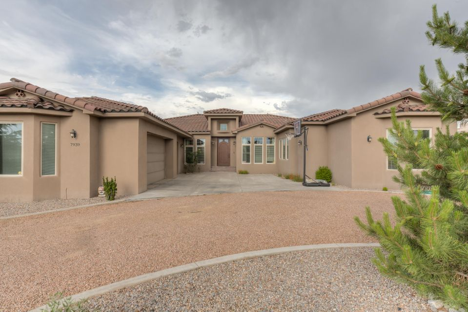 7939 Victoria,Albuquerque,New Mexico,United States 87120,4 Bedrooms Bedrooms,4 BathroomsBathrooms,Residential,Victoria,875241