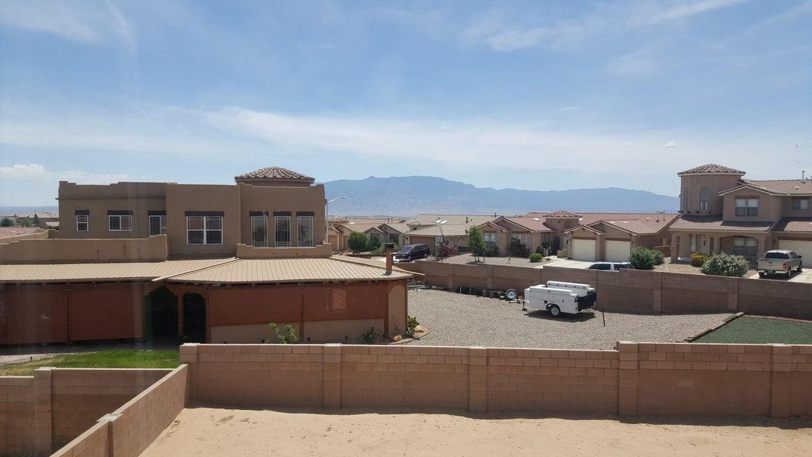 858 Loma Pinon Loop NE, Rio Rancho, NM 87144