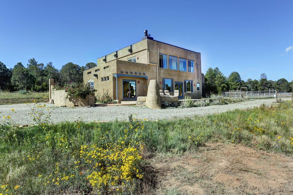 13 Raschel Lane, Tijeras, NM 87059