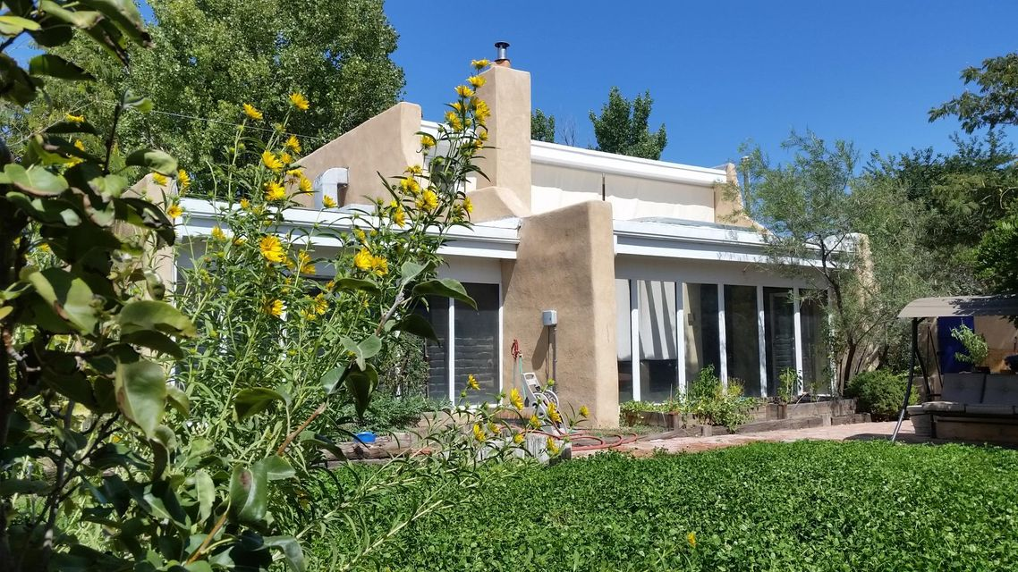 5415 9th Street NW, Albuquerque, NM 87107