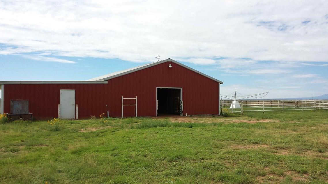 701 E Clements Road, McIntosh, NM 87032