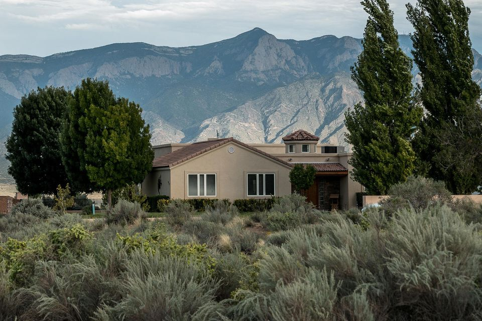 6900 Vatapa Road NE, Rio Rancho, NM 87144