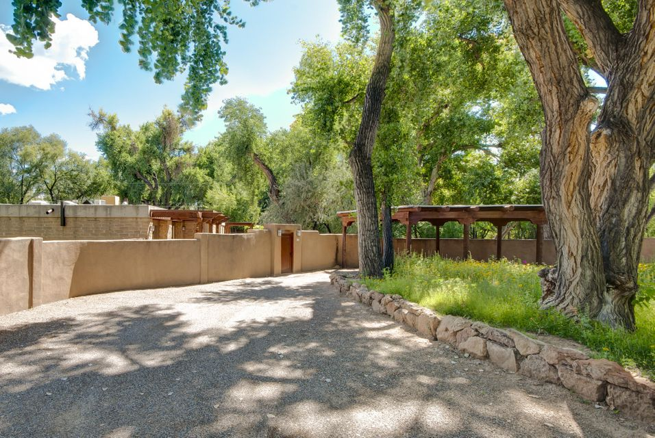 150 Camino Bajada, Corrales, NM 87048