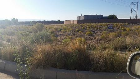 Jade Drive NW, Albuquerque, NM 87120