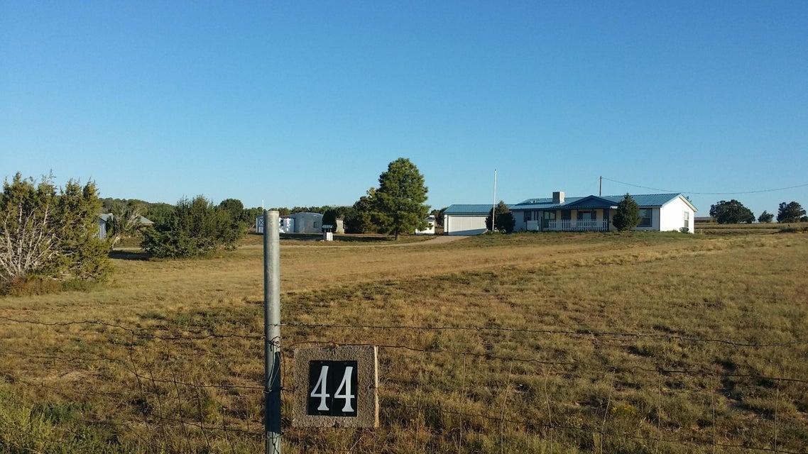 44 Kennedy Road, Edgewood, NM 87015