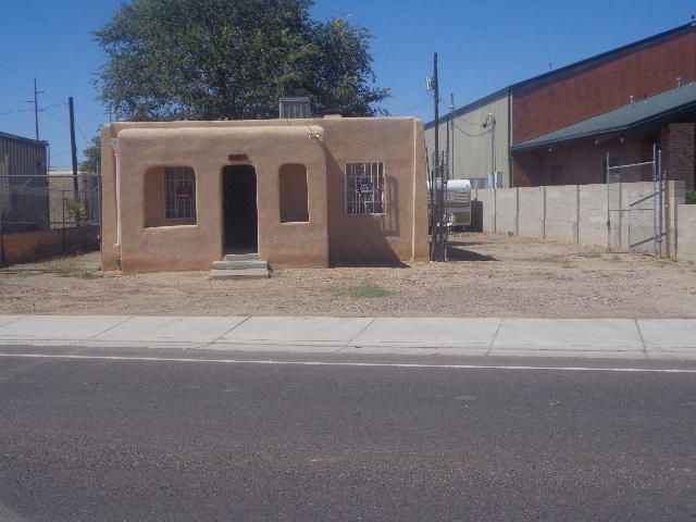 3001 2nd Street NW, Albuquerque, NM 87107
