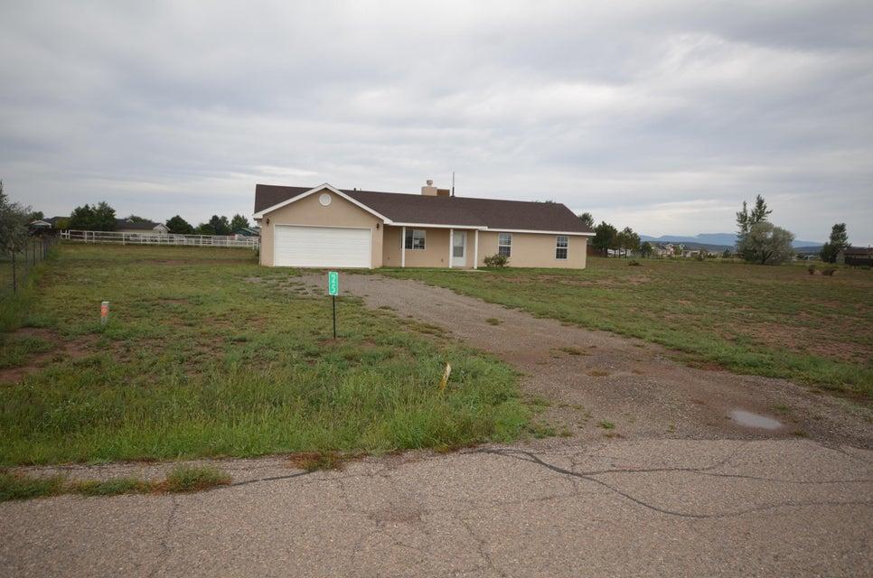 25 Epoch Road, Edgewood, NM 87015