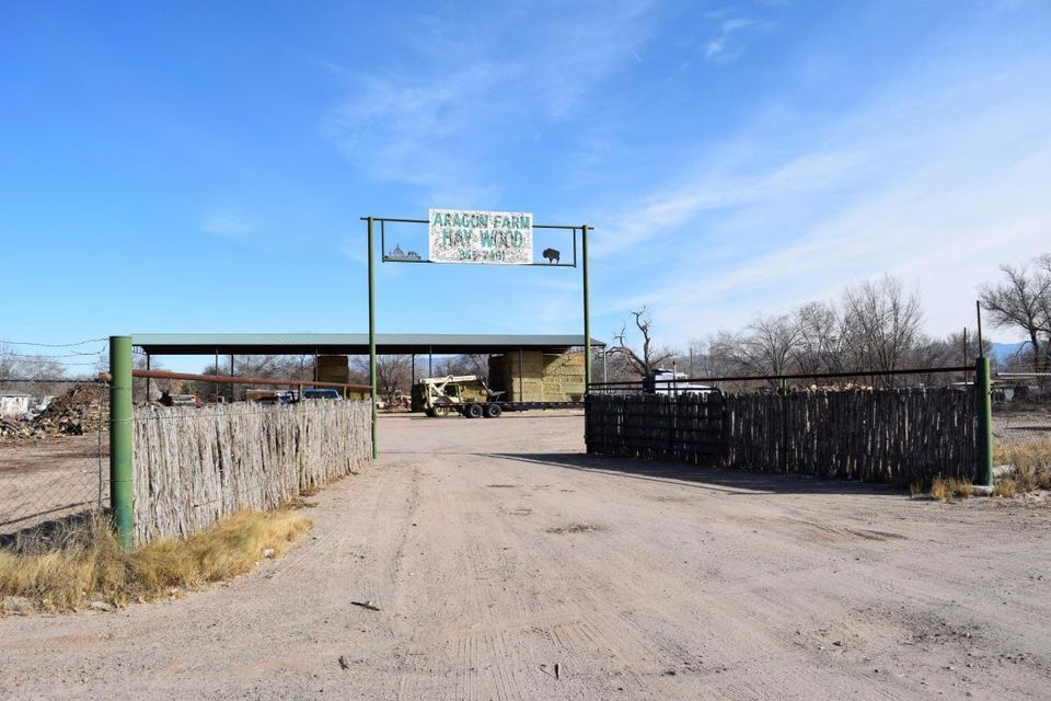 Rael Road, Los Lunas, NM 87031