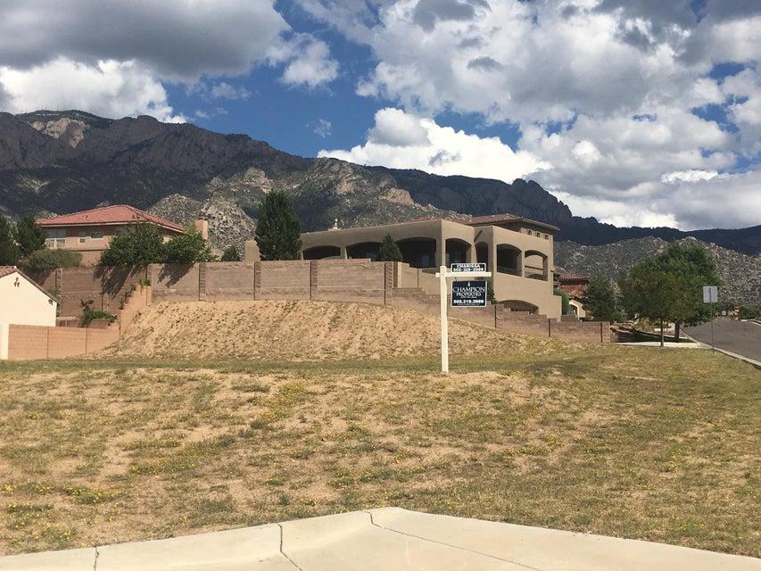 8800 Primrose Court NE, Albuquerque, NM 87122