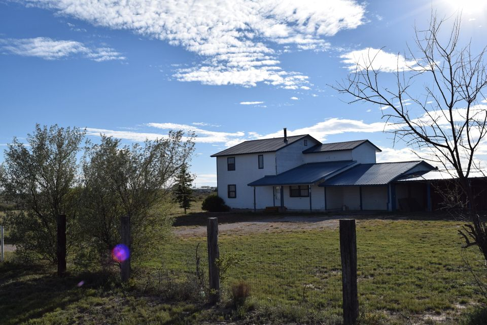 35 Club House Road, Moriarty, NM 87035