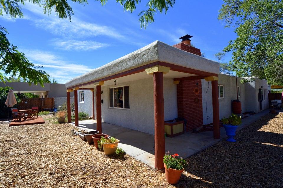 339 Washington Street NE, Albuquerque, NM 87108