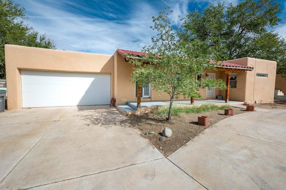 1829 Wildwood Lane SW, Albuquerque, NM 87105