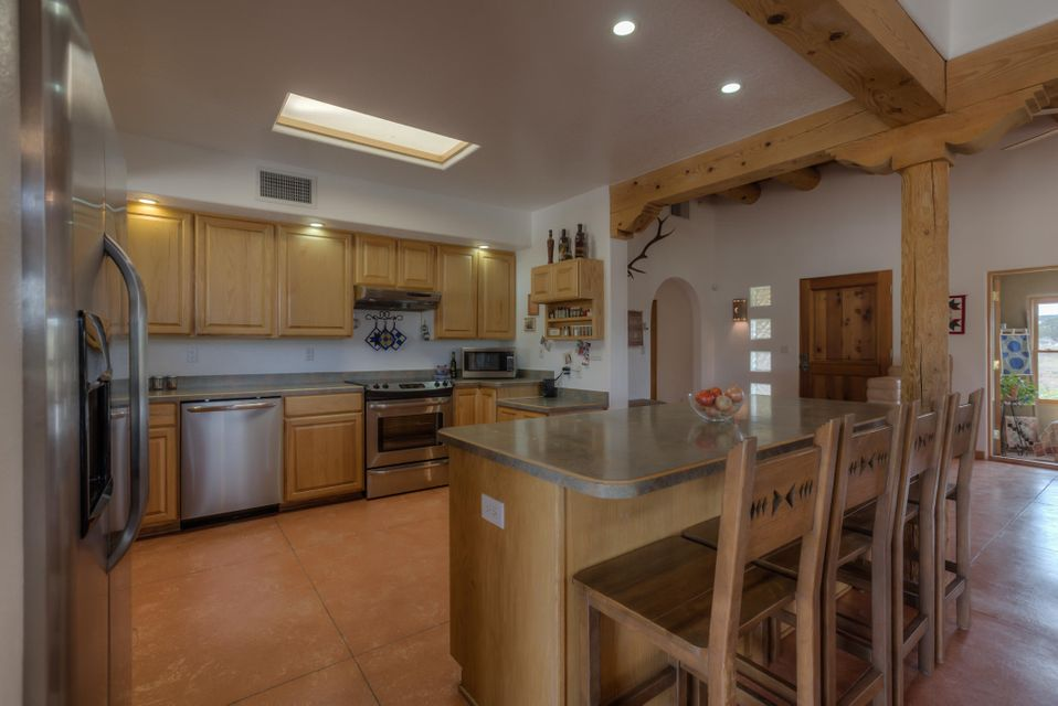 10 CHEROKEE Court, Edgewood, NM 87015