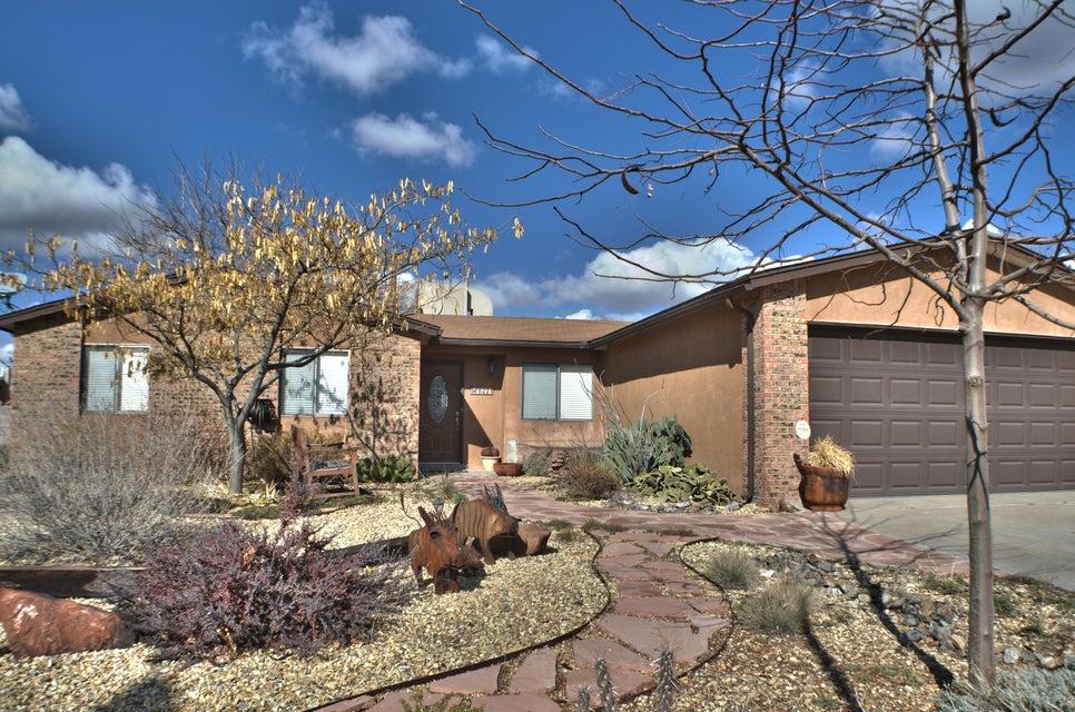 8221 Krim Drive NE, Albuquerque, NM 87109