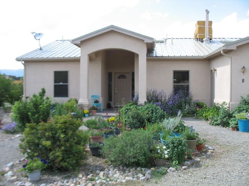 8 Happy Hollow, Tijeras, NM 87059