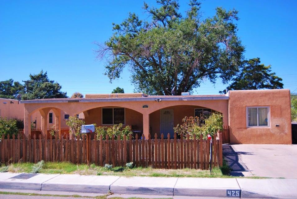 425 Espanola Street NE, Albuquerque, NM 87108