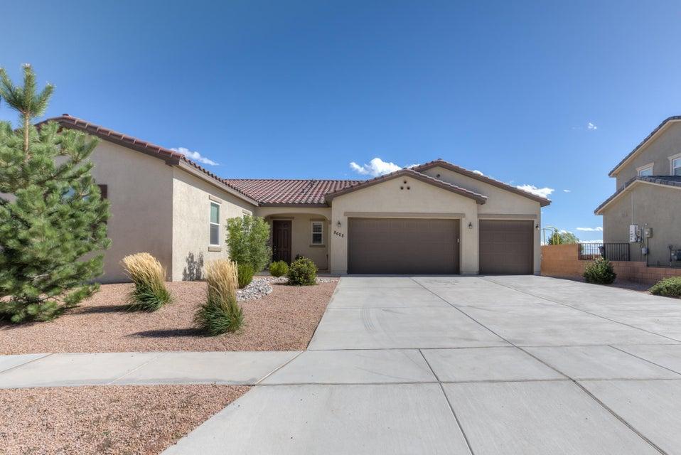 8608 Mesa Top Road NW, Albuquerque, NM 87120