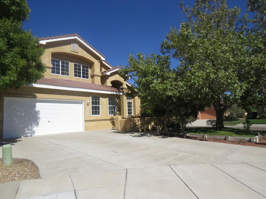 6223 Whisper Ridge Drive NW, Albuquerque, NM 87120