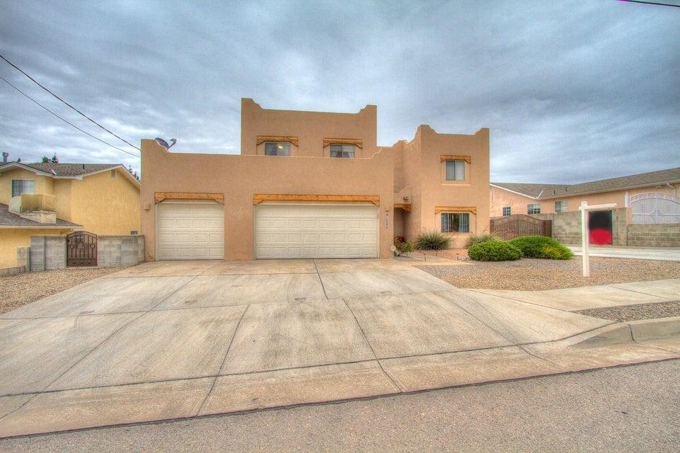 10534 Olympic Street NW, Albuquerque, NM 87114