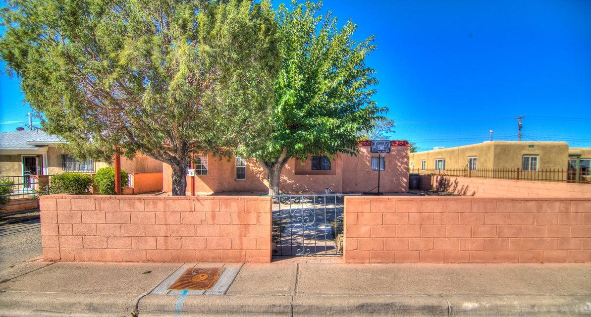 345 Estancia Drive NW, Albuquerque, NM 87105
