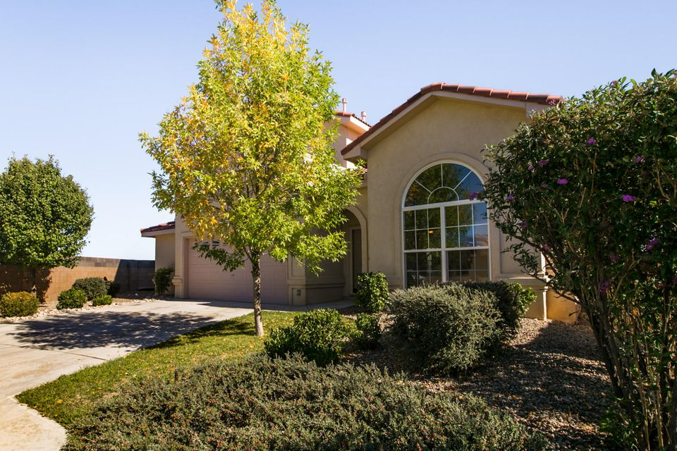 1620 Rain Place NW, Albuquerque, NM 87120