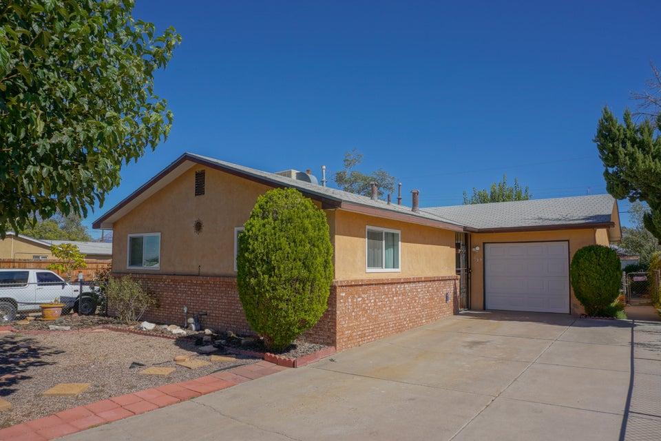 332 Alcazar NE, Albuquerque, NM 87108