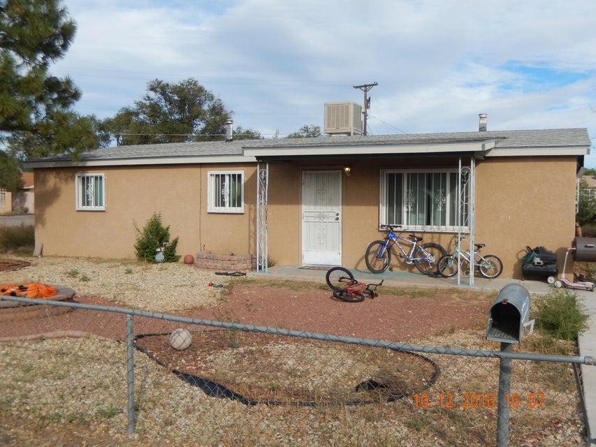 2100 Violet Street SW, Albuquerque, NM 87105